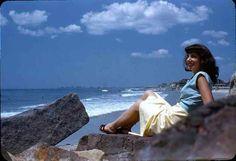 Vintage kodachrome. Beach. 40s fashion. 1940s. via vintage travels tumblr.