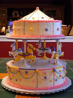 Carousel Cake Decorations Fresh ideas and new themed cakes - Cake Carousel Cake, Carousel Party, Carousel Birthday, Baby Birthday Cakes, 10th Birthday, Birthday Ideas, Pretty Cakes, Cute Cakes, Beautiful Cakes