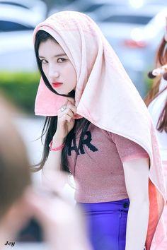 I'm watching you Xiyeon