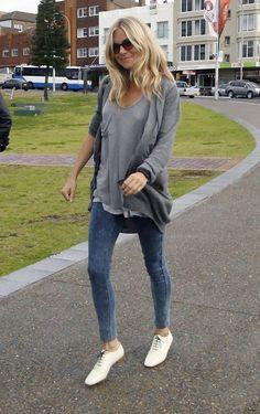 Sienna Miller - Sienna Miller Visits Bondi Beach