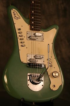 Vintage Guitars, Take pride in in purchasing guitarist with the use of valid instruments. They tend to have a vintagelook by using a functionality of the most extremely advanced types. Prs Guitar, Guitar Art, Music Guitar, Cool Guitar, Playing Guitar, Bass Guitars, Guitar Images, Guitar Photos, Vintage Electric Guitars