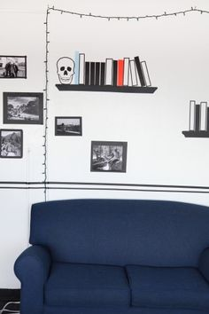 this room is decorated in TAPE. i love the idea of taping photos on the wall in faux frames. Washi Tape Wall, Tape Wall Art, Tape Art, Masking Tape, Room Paint Designs, Tape Installation, Interior Decorating, Interior Design, Dorm Rooms