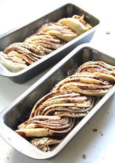 reteta cozonac Peach Yogurt Cake, Healthy Eating Recipes, Cooking Recipes, Romania Food, Romanian Desserts, Cake Recipes, Dessert Recipes, Artisan Food, Pastry And Bakery