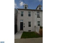 934 E Hector St, Conshohocken, PA 19428. 2 bed, 1 bath, $215,000. Move in ready! Beaut...