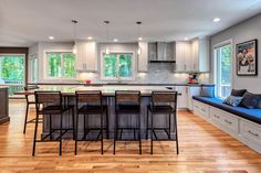 How to Decorate a open concept kitchen dining living exclusive on miral iva home decor Open Kitchen And Living Room, Family Dining Rooms, Small Living Rooms, Kitchen Design Open, Open Concept Kitchen, Concept Kitchens, Kitchen Designs, Kitchen Ideas, Modern Log Cabins