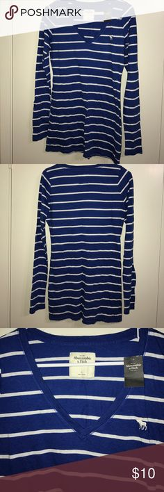 ABERCROMBIE LONG SLEEVE Long sleeve. V-neck. Comfortable. No trades. Abercrombie & Fitch Tops Tees - Long Sleeve