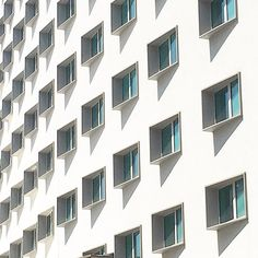 Squares II #geometries #semplicity #architecture #lookingup #minimal #minimalmood #photooftheday #igersmilano #igerslombardia #igersitalia
