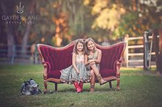 love this sofa! Toddler Photography Poses, Photography Mini Sessions, Photography Backdrops, Children Photography, Family Photography, Indoor Photography, Photography Ideas, Whimsical Photography, Sitting Poses