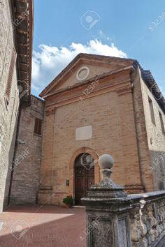 http://www.123rf.com/photo_55551168_small-church-in-the-center-of-urbino-mache-italia.html