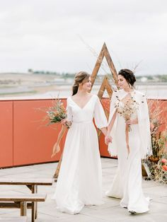 Modern Terracotta Inspiration Shoot // An Ethereal Editorial at Ralph Klein Park - Brontë Bride Lesbian Wedding, Wedding Bride, Boho Wedding, Ralph Klein, Wedding Colors, Wedding Styles, Elegant Wedding Gowns, Two Brides, Rooftop Wedding