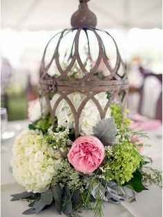 Wonderful Rustic Vintage Wedding Centerpieces For Awesome Wedding Decor Ideas Shabby Chic Wedding Decor, Rustic Wedding Centerpieces, Wedding Decorations, Table Decorations, Centerpiece Ideas, Vintage Centerpieces, Wedding Tables, Birdcage Centerpieces, Lantern Centerpieces
