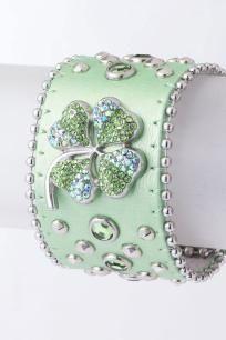 lucky bracelet, so pretty for our little girl born on St patricks Day!