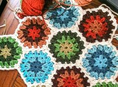 A stunningly beautiful hexagon pattern! This is a wonderful motif that's perfect for those cozy projects; blankets, afghans, and shawls. And, of course, this being crochet, any color combinat…