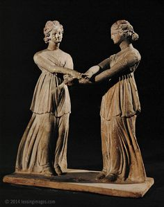 Two dancers, terracotta group, early century AD from Tanagra, Boeotia, Greece Louvre Museum Ancient Music, Ancient Greek Art, Ancient Rome, Ancient Greece, Ancient History, Art History, Terracota, Ancient Greek Costumes, Sculpture Romaine