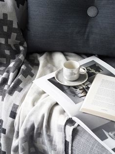 Cosy moments – HAY grey cushion and throw – hygge