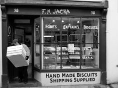 The oldest working bakery in Britain is Jackas in Southside street, Plymouth, England, circa 1596 and was selling bread the same time that Sir Francis Drake was playing bowls on Plymouth Hoe