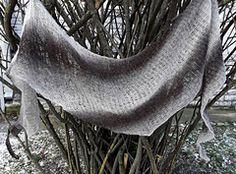 Half-brioche stitch asymmetrical shawl. #kuduja #wool #brioche #briochestitch #shawl #minimalism #minimalknit #accessories #knittedshawls