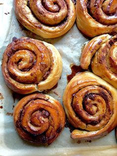 Add a twist to classic cinnamon buns by adding chunks of chocolate – in this recipe from Nordic Bakery.