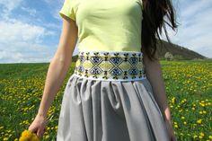 Vyšívaný opasok Aj vy sa už tešíte na jar? Fashion 2018, Diy Fashion, Autumn Fashion, Fashion Trends, Vigan, Streetwear Fashion, Most Beautiful Pictures, Lace Skirt, Street Wear