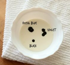 Navy Blue Royal Icing: to cup icing add 3 drops Royal Blue, 3 drops Violet, and 1 small drop Black Blue Frosting, Frosting Colors, Blue Icing, Icing Tips, Frosting Tips, Frosting Recipes, Sugar Cookie Royal Icing, Cookie Icing, Cake Decorating Tips