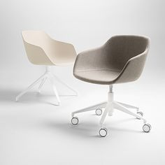 The comfortable and generously sized Kuskoa Bi is the first chair on the market to be manufactured in Bioplastic. Its particularly enveloping shell, cut out in such a way as to optimize back and arm support, is delicately placed on a solid wood trestle. Jean Louis Iratzoki and Ander Lizaso have teamed up to create Iratzoki Lizaso, a multi disciplinary design studio that aims to design from the Basque Country. Their collaboration with ALKI is very long standing.