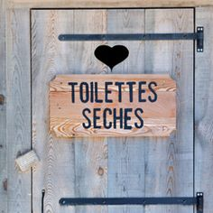 10 meilleures images du tableau toilettes seches. Black Bedroom Furniture Sets. Home Design Ideas