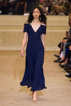 Roland Mouret Spring 2016 Ready-to-Wear Collection  - ELLE.com