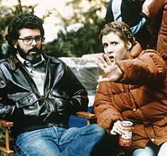 George Lucas and Carrie Fisher on the set of Star Wars: Episode VI - Return of the Jedi Star Wars I, Star Wars Cast, Happy Birthday George, Carrie Frances Fisher, Cuadros Star Wars, Princesa Leia, Han And Leia, George Lucas, Love Stars
