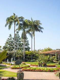 Living down here in Orange County, I frequently pass through the little beach town of Corona Del Mar on my way to Laguna Beach. I've always driven by the Sherman Library and Gardens. It&#8217…