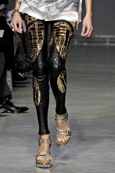 042b0f75fa648 tumblr m3z8pkJAeF1qmifsro1 500.jpg (500×750) Fashion Details, Love Fashion,  Dark Fashion