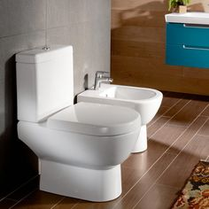 Villeroy & Boch Subway 2.0 close-coupled, floorstanding, washdown toilet L: 67 W: 37 cm white 66091001.  This open back Subway 2.0 WC allows side access pipework