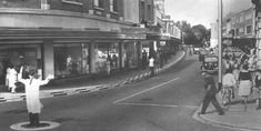 Palmerston Road Southsea early 1950 Portsmouth England, City Slickers, Beautiful Places To Visit, Southampton, Back In The Day, Hampshire, East Coast, Old Photos, Google Images
