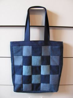 denim patchwork tote bag, This is a sturdy tote back made from light and dark blue denim fabrics. Each side has a different patchwork look. Denim Patchwork, Patchwork Bags, Denim Fabric, Blue Fabric, Denim Tote Bags, Denim Handbags, Denim Crafts, Recycle Jeans, Recycled Denim