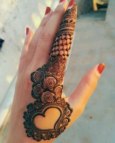 "11k Likes, 24 Comments - ✨ Daily Henna Inspiration ✨ (@hennainspo_) on Instagram: ""beautiful finger design  // @aayat_mehendi_designer_shahada . . . . . #henna #mehndi #whitehenna…"""