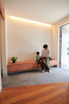 Japanese Modern House, Japanese Interior, House Entrance, Entrance Doors, Modern Entry, Entry Way Design, House Inside, Residential Architecture, Model Homes