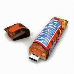 Os pen drives mais gostosos do mundo! (The most yummy pen drives of the world!) via Garotas Geeks