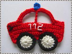 Handgehäkeltes Feuerwehrauto ca.10cm x 8cm     Dieses Auto gibt es auch in MINI & MIDI Größe, schauen Sie bitte im Shop nach...    Diese Applikationen