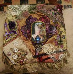 Royal purse by Lilla on Etsy