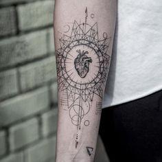 80 Most Beautiful Tattoo Designs for Women Brain Tattoo, Dna Tattoo, Forearm Tattoos, Life Tattoos, Body Art Tattoos, Classy Tattoos, Trendy Tattoos, Cool Tattoos, Compass Tattoo