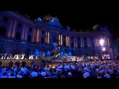 André Rieu - Live in Vienna - André Rieu Live in Vienna: a romantic midsummer night concert on the square in front of the imperial Hofburg Palace in the heart of Vienna. It includes superb compositions from the most famous Viennese composers: Johann Strauss, Franz Lehár, Emmerich Kálmán, W.A. Mozart, Robert Stolz and many others.
