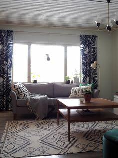 Lisää lämpöä ja villaa Villa, Couch, Furniture, Home Decor, Settee, Decoration Home, Room Decor, Sofas, Home Furnishings