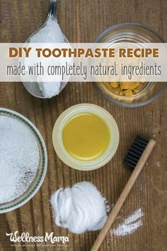 How to Make Natural Toothpaste Most tooth pastes are filled with unhealthy ingredients. Making your own natural toothpaste at home saves money and is healthier for your teeth and gums. How To Make Toothpaste, Toothpaste Recipe, Homemade Toothpaste, Natural Toothpaste, Coconut Oil Toothpaste, Warts Remedy, Eczema Remedies, Herbal Remedies, Bloating Remedies