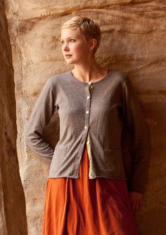 Knitted cardigan in cotton & wool – Sweaters & cardigans – GUDRUN SJÖDÉN – Webshop, mail order and boutiques | Colourful clothes and home textiles in natural materials.