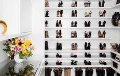 Construindo Minha Casa Clean: 10 Truques Fáceis para Organizar o Closet e Guarda Roupa! Shoe Rack, Sweet Home, Photo Wall, Sarah Kay, Toque, Zero, Home Decor, Home Organization Tips, Bedroom Cupboards