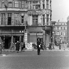 London at War 1941 - The Strand