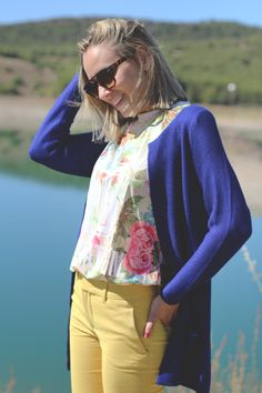 teenvogue, MY SHOWROOM, pantalon amarillo, rebeca azul, azul klein, sheinside, pantalon zara, gafas de sol zerouv, blog de moda, street styl...
