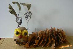 Housenky z listí