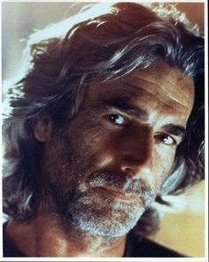 Sam Elliott - only a few men can make long gray scruffiness look this hot. And that voice, oh my. Hollywood Stars, Old Hollywood, Sam Elliott Pictures, Gorgeous Men, Beautiful People, Actrices Sexy, Hommes Sexy, Moustaches, Celebs