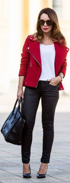 #Pop Of #Red by Cashmere In Style => Click to see what she wears