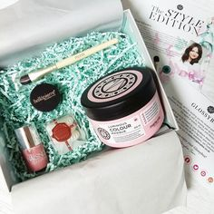 I think this may well be the best @glossyboxuk I've seen for a while! #bbloggers #Glossybox #SubscriptionBox #MariaNila #Invisibobble #NailsInc #Marsk #Bellapierre #TheStyleEdition by thelittleblogofbeauty